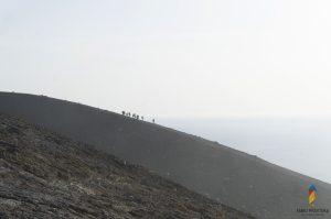 scalata cratere vulcano isole eolie