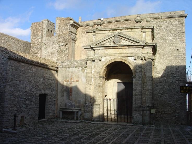 piazza san domenico e chiesa di san michele